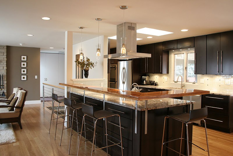 In An Open Floor Plan, The Kitchen Island Typically Becomes The Focal  Point, Acting As The Key Component To Separating The Rooms While  Simultaneously ...