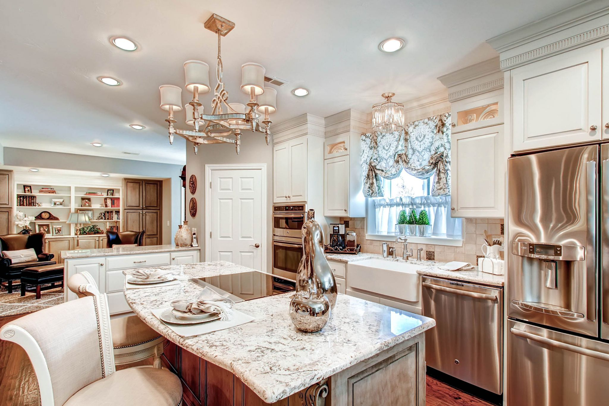 Crystal Cabinet Works Amp Medallion Cabinetry Bkc Kitchen